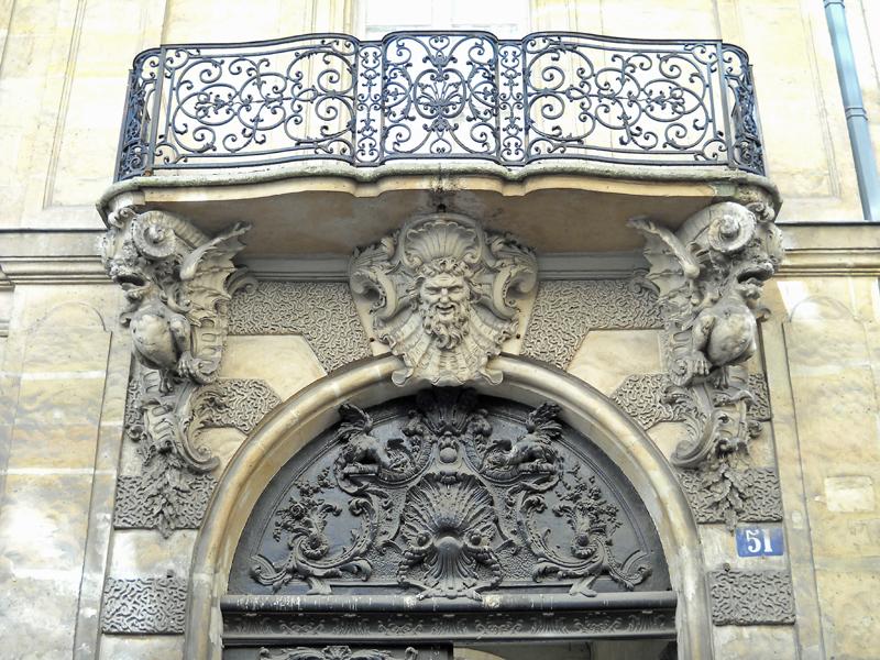 intricate doorway paris