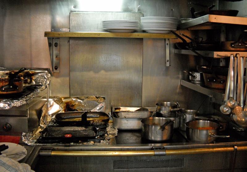 simple cafe kitchen ille saint louis